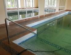 Поручень в бассейн из нержавеющей трубы