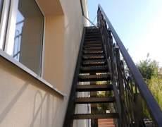 Наружные лестницы на второй этаж