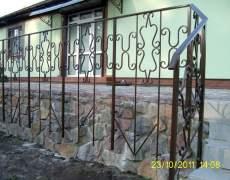 Кованные ограждения на террасе