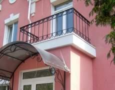 Ограждение балкона из ковки