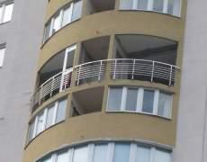 Перила балкона из нержавейки