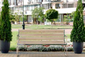 Уличные скамейки фото