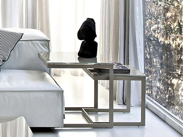 Прикроватный консольный столик
