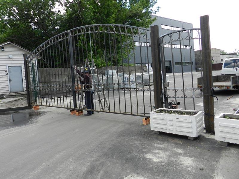 Распашные ворот с автоматикой