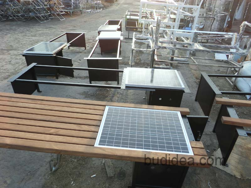 Скамейки с солнечными батареями