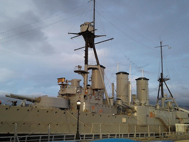 Корабль музей в гавани Афин